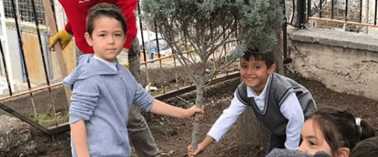Batı Anadolu İlkokulu Ağaçlandırma Çalışması